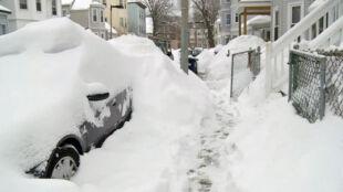 Śnieżyca znów zasypuje USA. Pojawią się kolejne utrudnienia