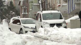 Pół metra śniegu w Stambule